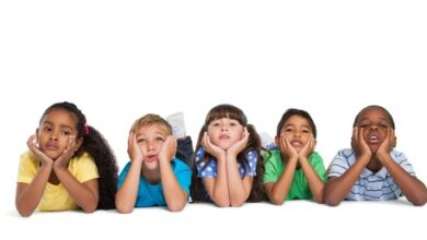 Image of bored children