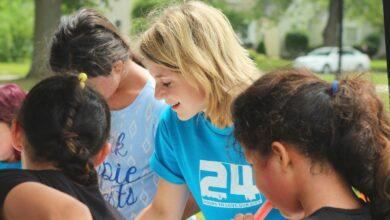 Picture of woman volunteering