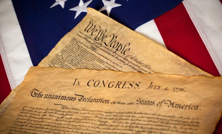 Image of the US Constitution and Declaration of Independence